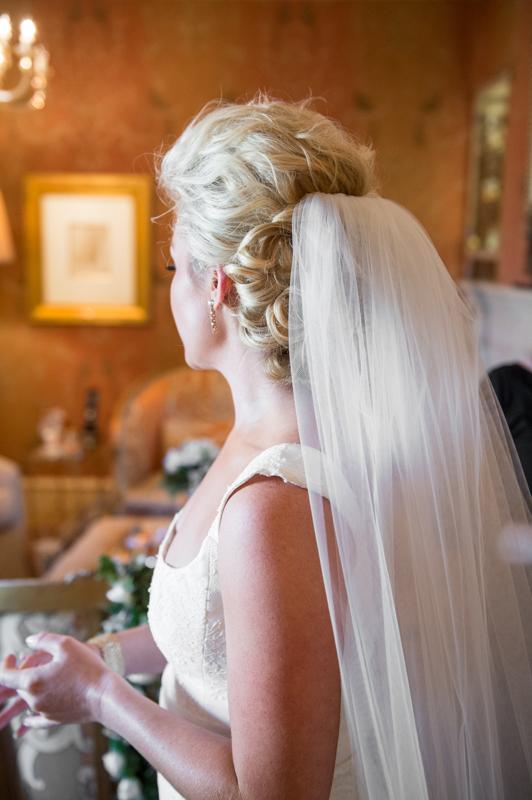Best Wedding photographer in Odessa Back of Bride